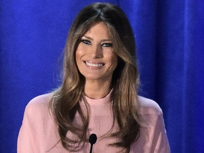 Melania-Trump-Pennsylvania-Speech-November-3-Getty-420x315