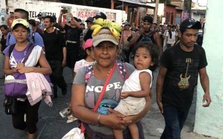 Mexico-Caravan-Maria-Adolfo-Flores-Twitter-03272018-450x600